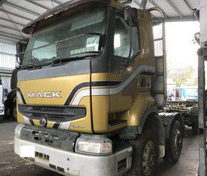 2002 Mack Qantum QH7888RS (1)