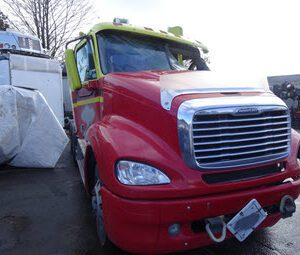 2005FreightlinerColumbia--med